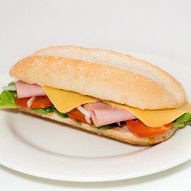 Comment préparer un panini sans machine ?